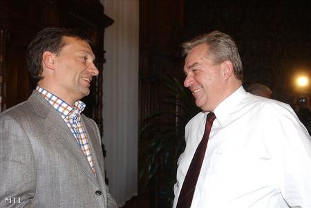 2003-ban a  Fidesz – Magyar Polgári Szövetség a magyar gazdasági helyzetről és a pénzügyi folyamatokról rendezett tanácskozáson (Fotó: Földi Imre)