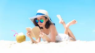 3+1 könyv: ezeket vidd magaddal a strandra!