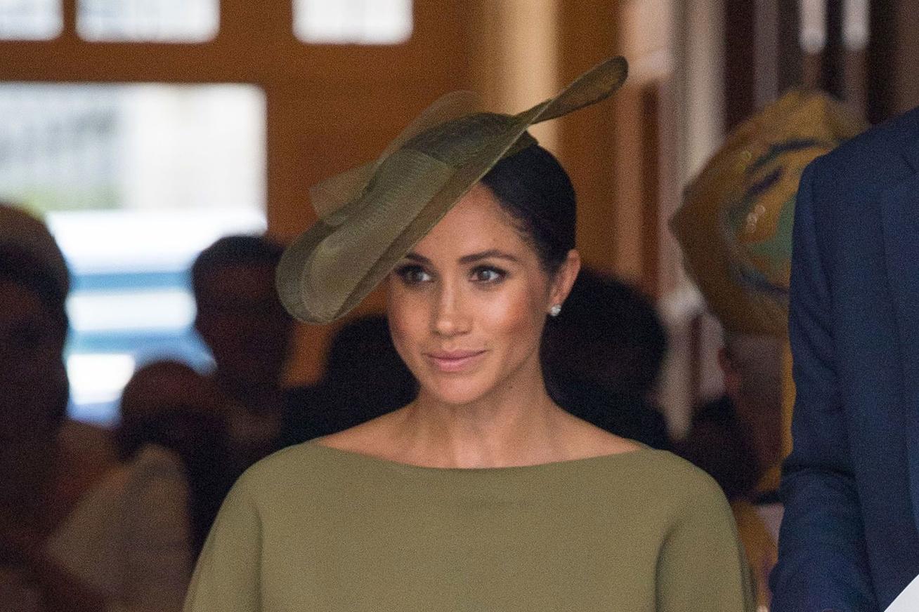 meghan-hercegne-keresztelo-ruha-cover