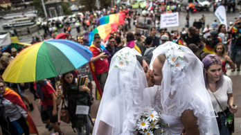 Támogatja az azonos neműek házasságát a cseh kormány