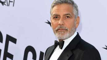 George Clooney óriásit esett a motorjával