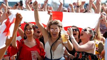 22 év után újra él az angol Az éjjel soha nem érhet véget