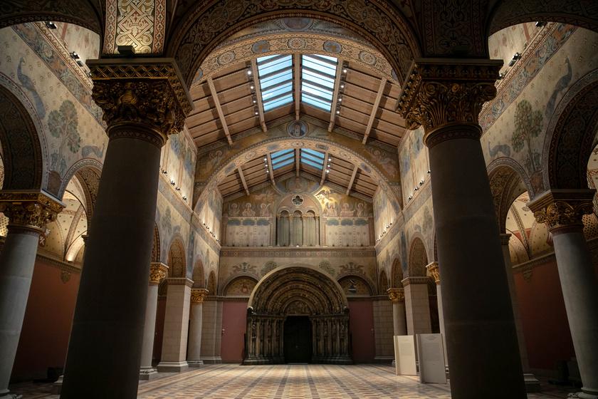Történetének legnagyobb rekonstrukcióját követően 2018. október 30-án újranyit a Szépművészeti Múzeum, és 70 év után látogatható lesz legpompásabb terme, a Román Csarnok.