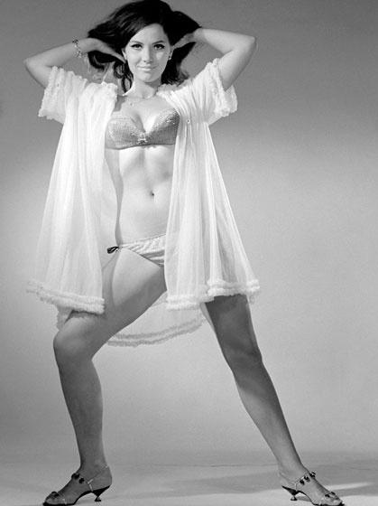 Pécsi Ildikó szexi fehérneműben mutatta meg tökéletes idomait fiatalon - sok férfi rajongott érte.