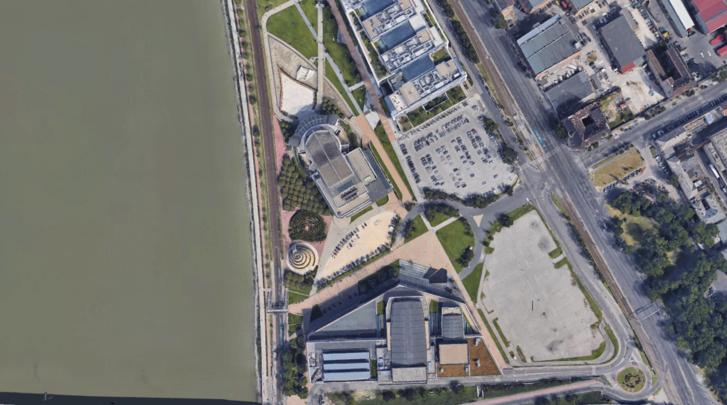 A levegőből szépen látszik a tervezett körönd, és az is, hogy ezt épületekkel mennyire nem követték