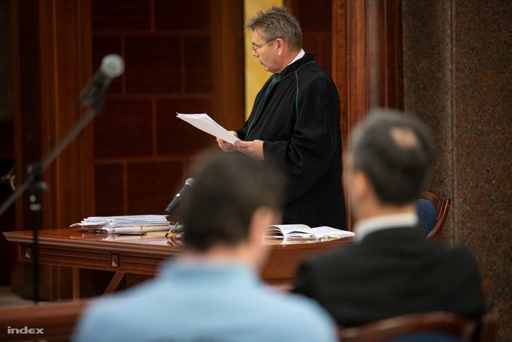 Szekér Gyula, a vádlott B. Krisztián ügyvédje