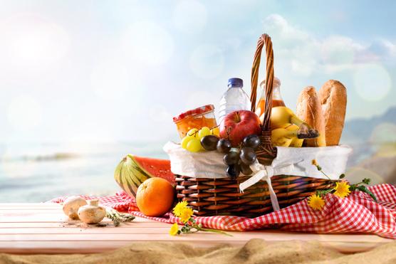 Piknikezni indulsz? Így kerülheted el az ételmérgezést!