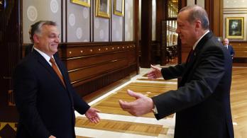 Erdogan török elnök Budapestre jön