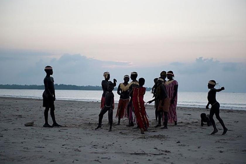 Közel ötvenötezer évig a jarawa törzs érintetlen maradt a modern civilizációtól.