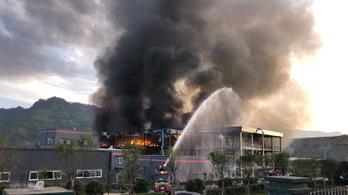 Halálos robbanás egy kínai vegyi üzemben