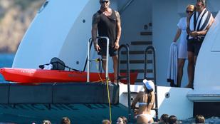 Jól meghúzza a franciaországi nyaralást a Stallone család