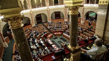 Nyáron döntik el, mi tartozik a közigazgatási bíróságokra