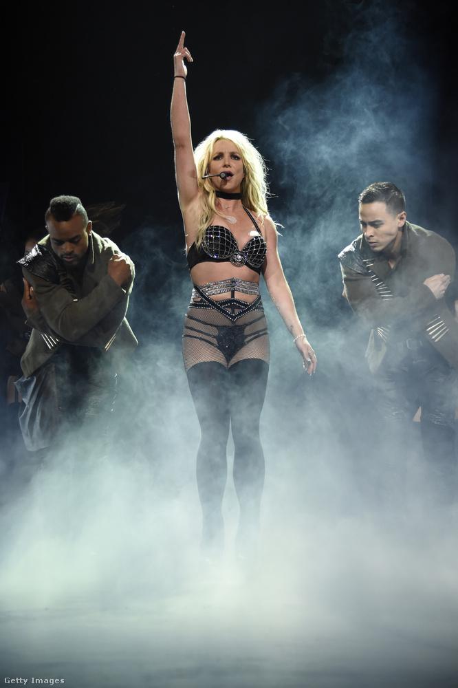 Britney Spearsnek volt egy Britney: Piece of Me fantázianevű állandó műsora Las Vegasban, ami négy év után tavaly decemberben ért véget