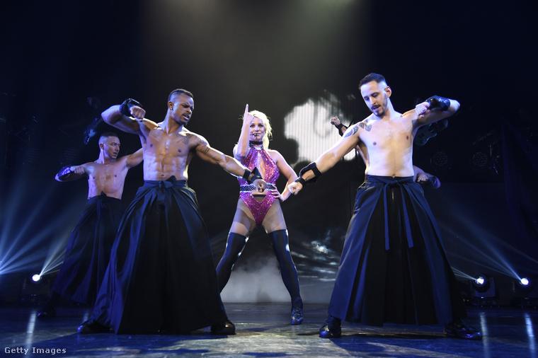 Britney Spears legutóbbi nemzetközi turnéja nem tegnap volt, hanem 2011-ben, akkor az énekesnő Budapesten is fellépett.