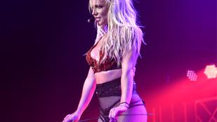 Britney Spears most megmutatja a világnak vegasi fehérneműit