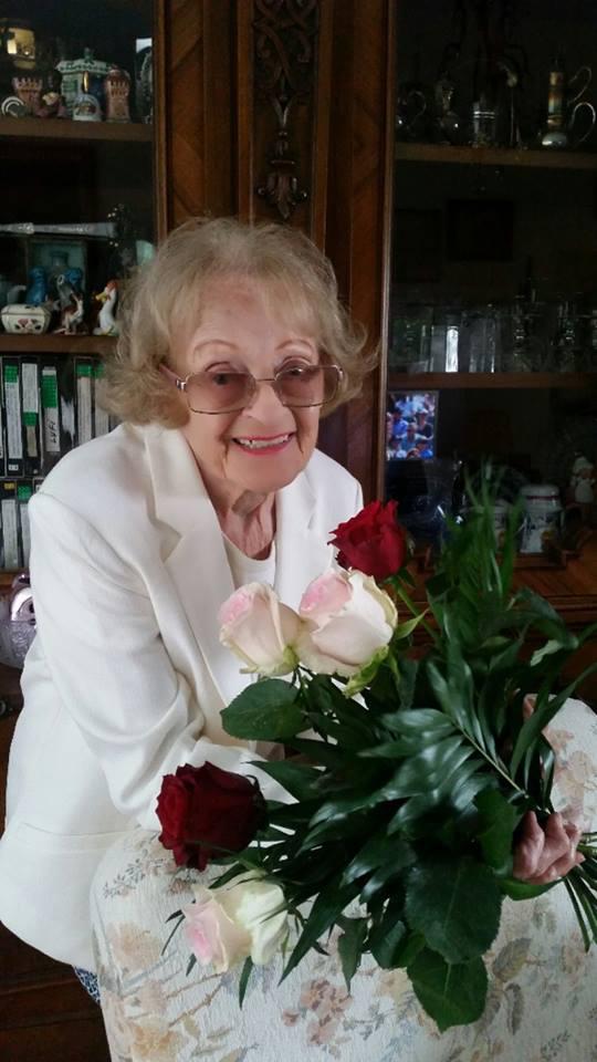 """""""Drága Anyukám, Isten éltessen sokáig! További jó egészséget és még sok-sok boldogságot kívánok"""" - köszöntötte édesanyját Rátonyi Hajni."""