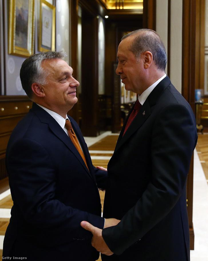 2017. június 30-án Orbán Viktort fogadta a török elnök a török fővárosban