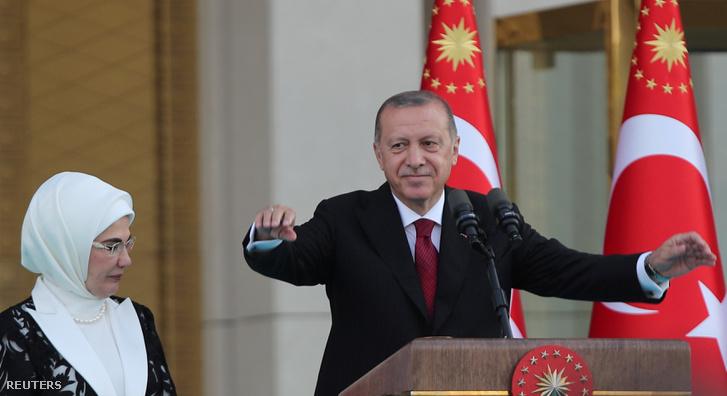 Erdoğan és felesége a július 9-i elnöki beiktatáson