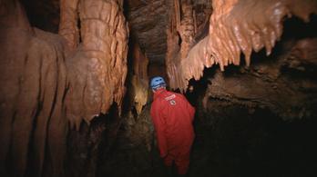 Föld alatti túra Magyarország legnagyobb barlangjában