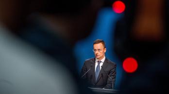 Szijjártó: Magyarországnak ki kell lépnie a globális migrációs csomag elfogadásából