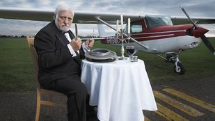 Az ember, aki megevett egy repülőgépet