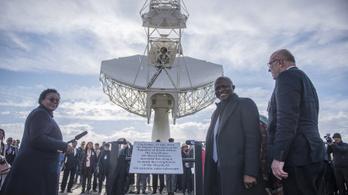 Felavatták az óriás rádióteleszkópot a dél-afrikai sivatagban