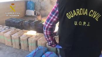 Rendőrruhában rabolt el 1700 kiló hasist egy drogbanda a másiktól