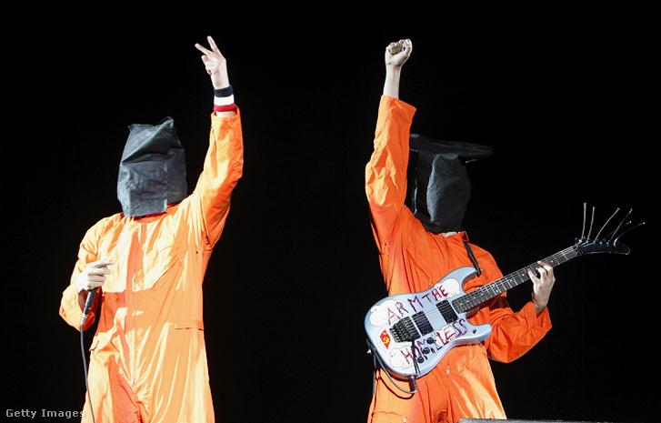 Zack De La Rocha és Tom Morello a Rage Against the Machine koncertjén 2008-ban Readingben