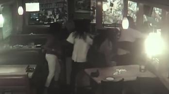 Késelt és borravalót rabolt egy nőkből álló banda