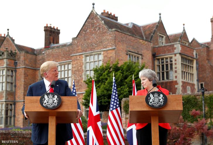 Donald Trump és Theresa May Buckinghamshire-ben