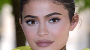 Pénzt adományoznak Kylie Jennernek, hogy ő lehessen a világ legfiatalabb milliárdosa