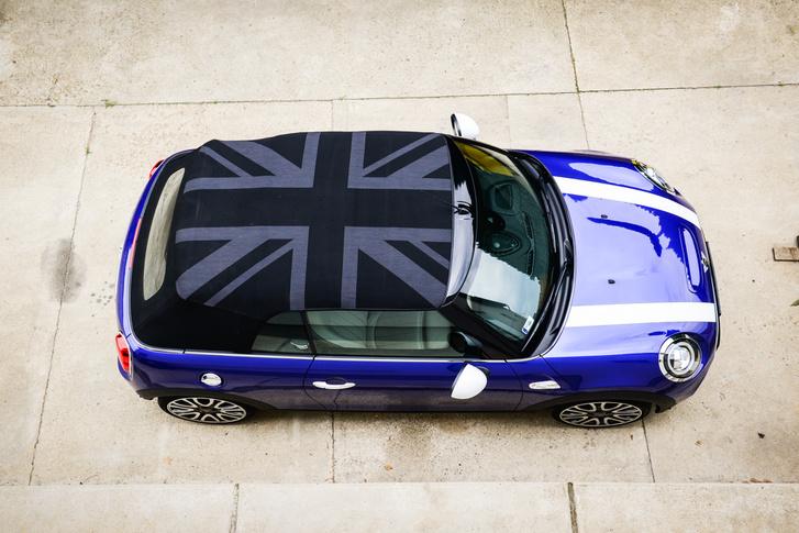 Néhány négyzetméternyi Britannia: Mini Yours tető 263 ezer forintos minta-felárral
