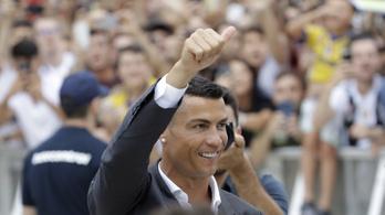 C. Ronaldo megérkezett az orvosira a Juvéhoz, megőrülnek érte