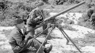 """Milyen fegyverei voltak a második világháborús brit """"nemzeti gárdának""""?"""