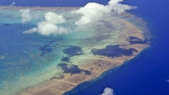 Felhőképzéssel védenék a Nagy-korallzátonyt