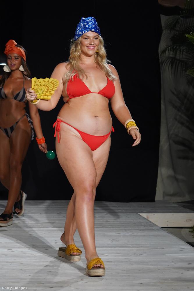 De az iSHINE365 műsorában is voltak olyan modellek, akik az átlagos plus size modelleknél is teltebbek.