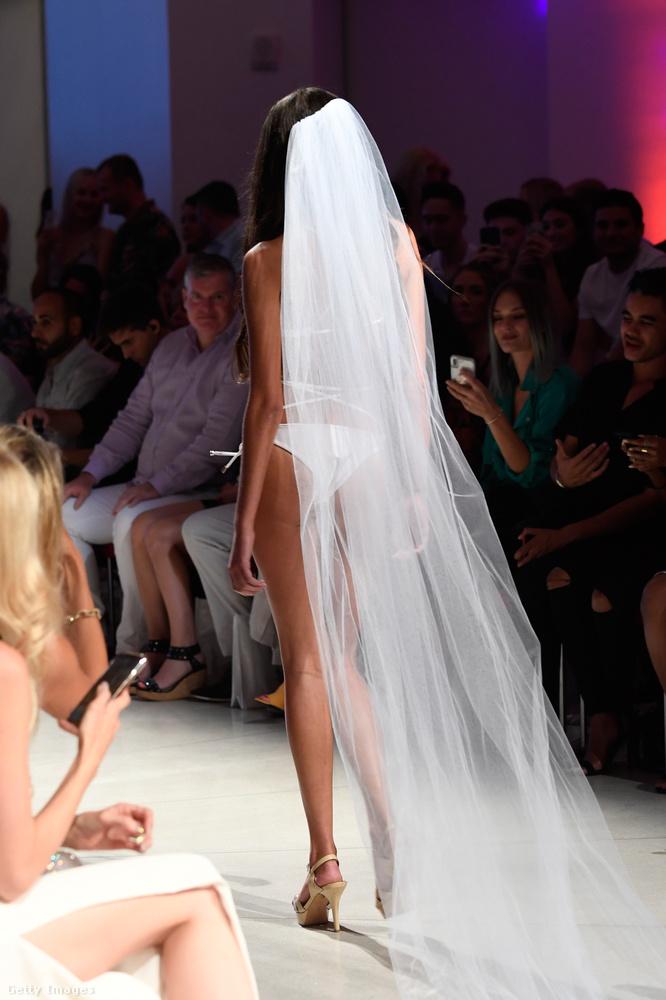 Nézzék csak a KB Swim ötletét! Menyasszonyi fürdőruha!