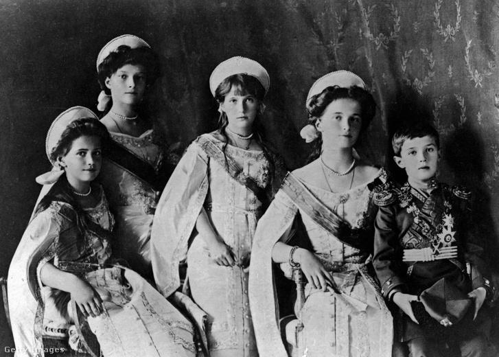 A Romanov gyerekek: Olga, Tatjána, Marija, Anasztázia és Alekszej