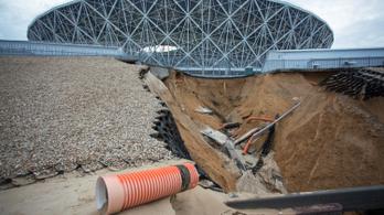 Súlyos károkat okozott az eső a volgográdi vb-stadionban
