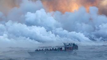 Turistahajóra robbant a láva Hawaiin