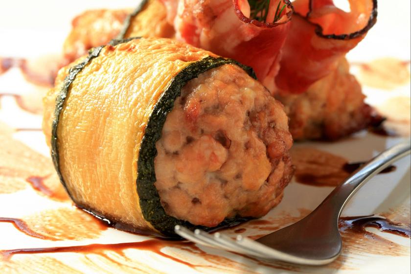Cukkinibe tekert, fűszeres húsgombóc: gyorsan megvan, és diétázók is ehetik