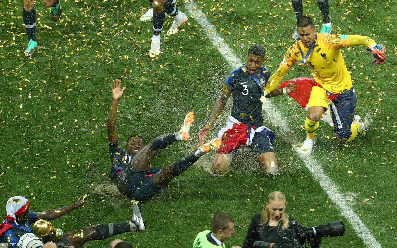 """""""Ha az ember focit fotózik, két dolgot kell elkapnia: a gólokat és az érzelmeket. Ez a kép száz százalékban az érzelmekről szól."""""""