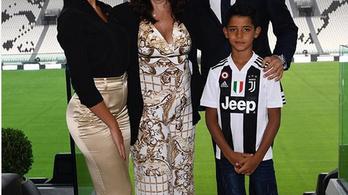 C. Ronaldo először posztolt új stadionjából