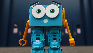 Több munkahelyet ad a mesterséges intelligencia, mint ahányat elvesz