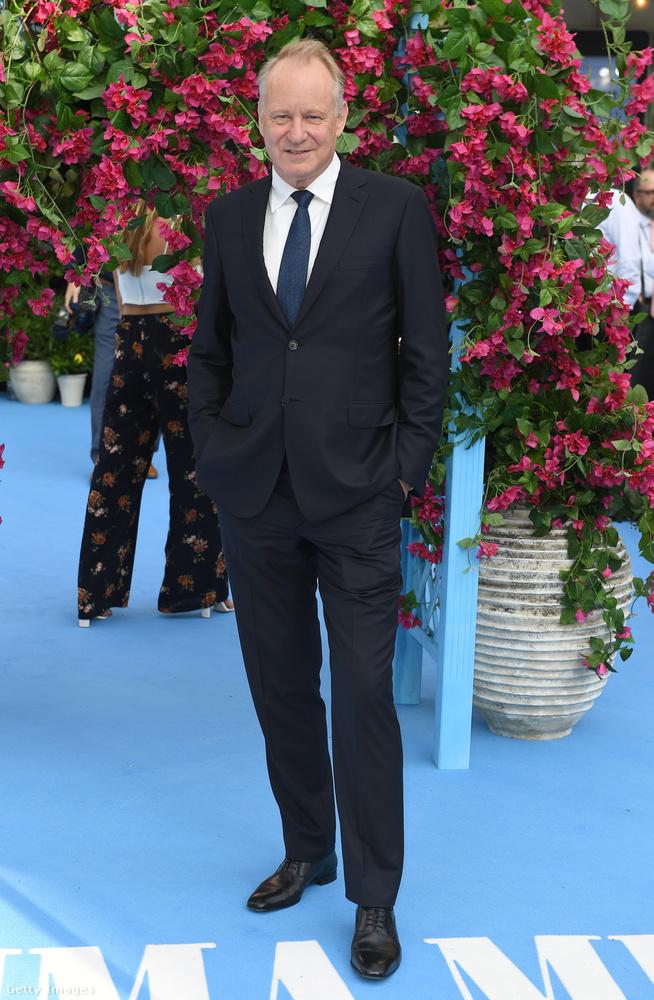 aki így fest most.Pierce Brosnanhoz hasonlóan a svéd színésszel sem történtek hatalmas izgalmak az első Mamma Mia! óta