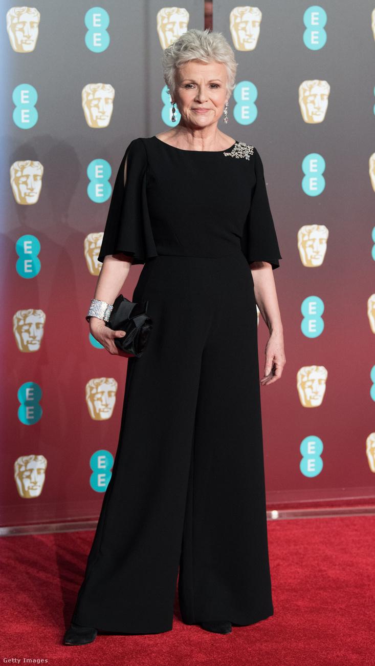 ...és most.                         A színésznőt egyébként az elmúlt években főleg a Harry Potter filmek Mrs