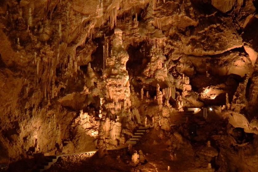 Belépsz, és elámulsz: 9 csodaszép magyar barlang, ami valóságos csodát rejt