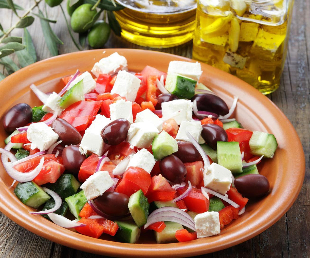 gorog-salata