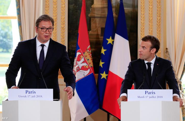 Vučić és Emmanuel Macron