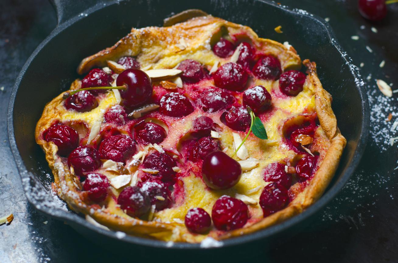 Palacsinta sütőben sütve, meggyel megszórva: ezt azonnal megkóstolnád